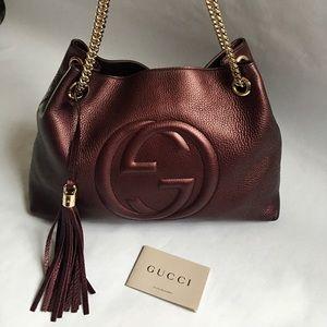 Gucci Bags - 💯 Authentic Gucci bag burgundy Soho Medium
